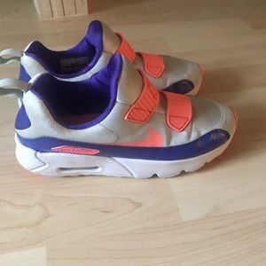Nike Air Max Tiny 90 Size: 3Y